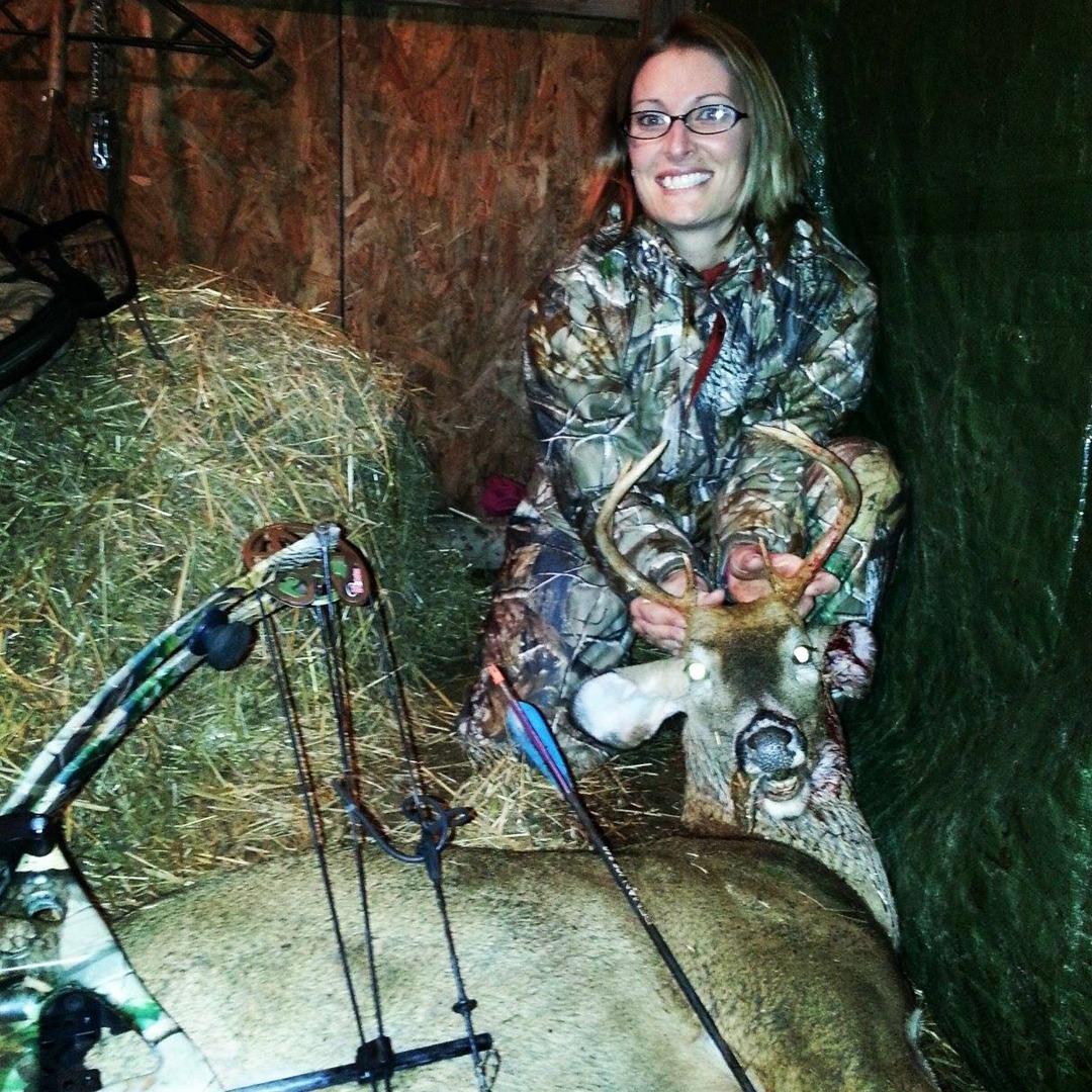 Alyson Murphy first archery buck
